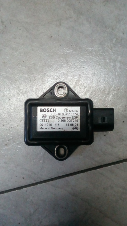 Senzor ESP Audi A4 A6 VW Passat B5 cod 8E0907637A