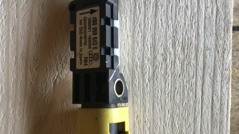 Senzor impact Audi A4 4B0 959 643 E
