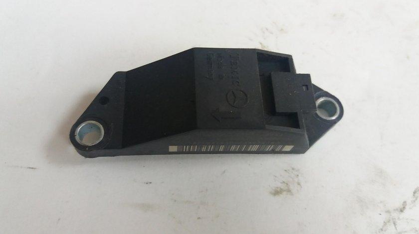 Senzor impact mercedes e-class w211 3.2d a0018209326