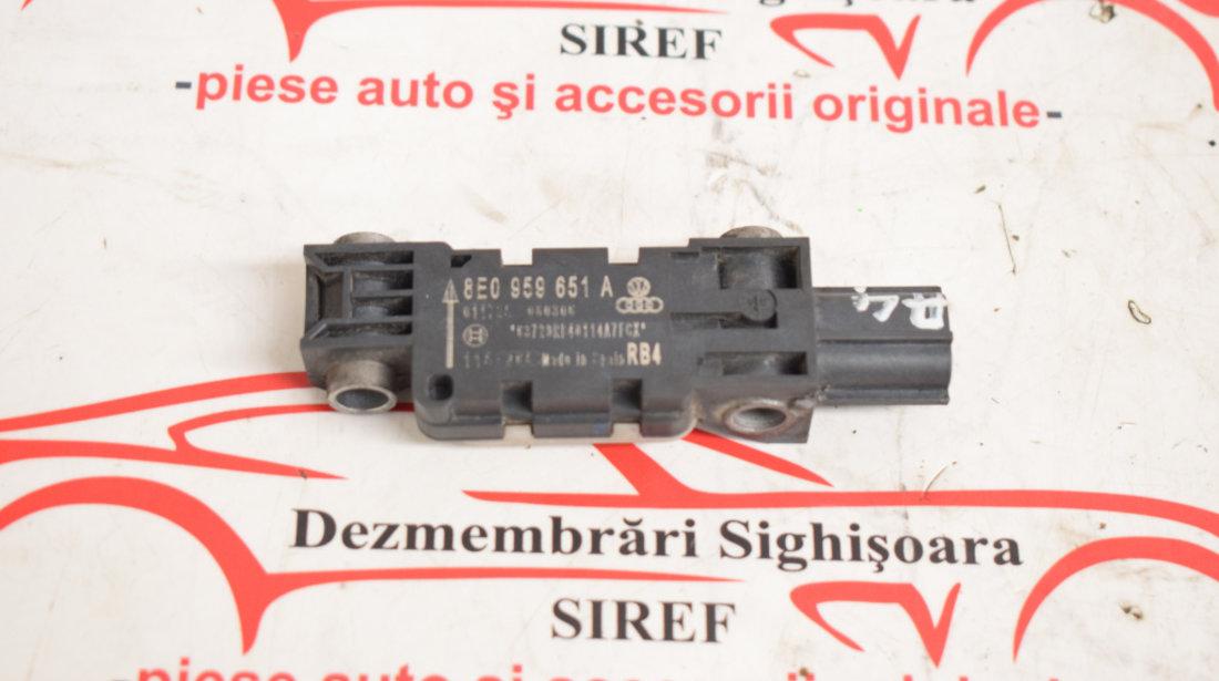 Senzor impact trager Audi A4 B7 8E0959651A 563