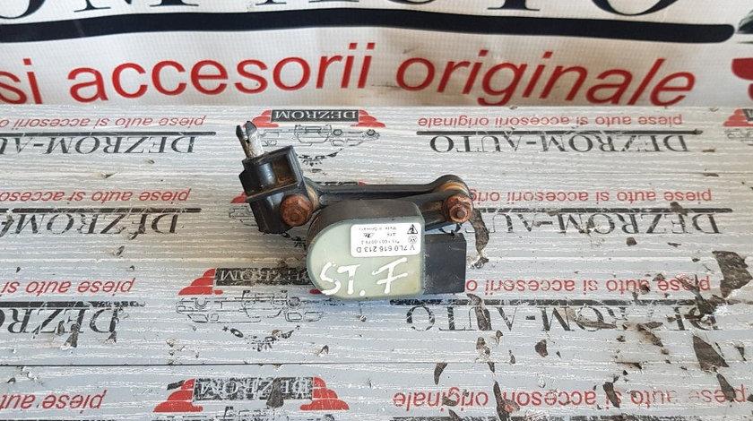 Senzor nivel suspensie pneumatica stanga fata AUDI A8 4.2 quattro 335 CP cod 7L0616213D