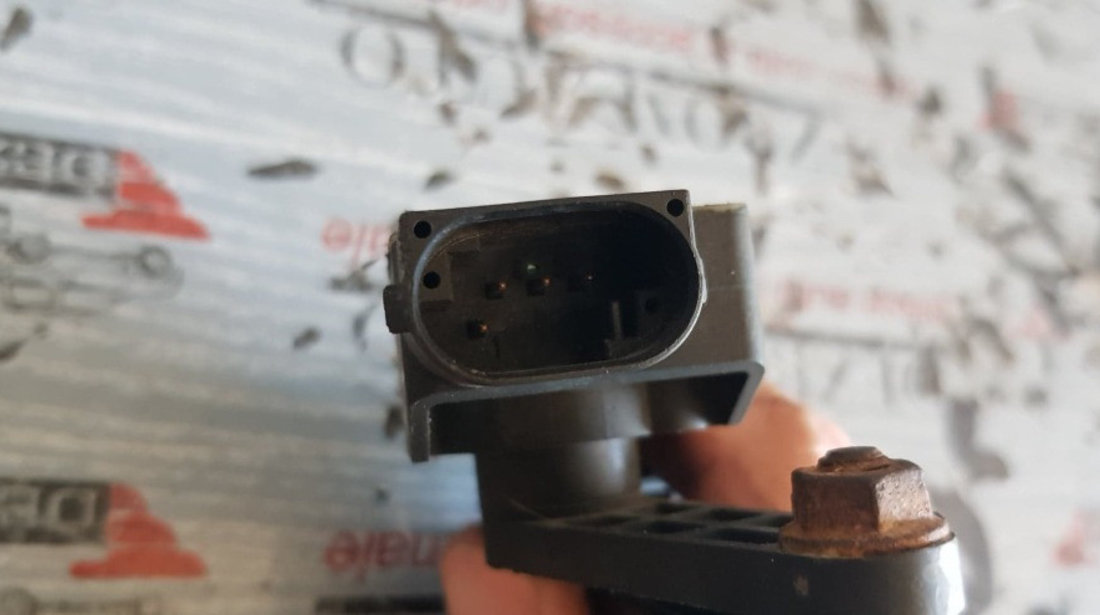 Senzor nivel suspensie pneumatica stanga fata AUDI A8 4.0 TDI quattro 275 CP cod 7L0616213D