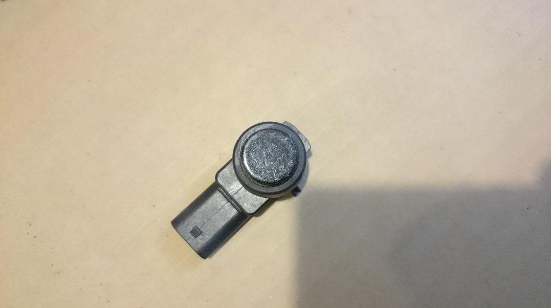 Senzor parcare Mercedes ML W164 C-Class W204 E-Class W211, SL R230, SLK R171 cod A2215420417