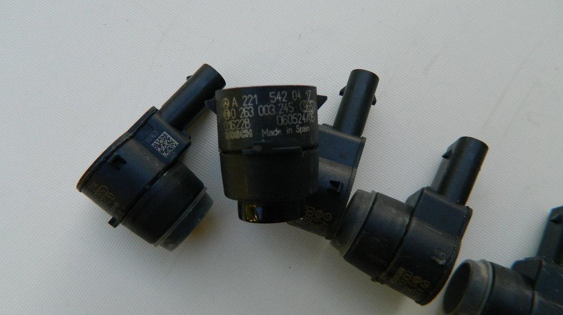 Senzor parcare PDC Mercedes cod  A2215420417
