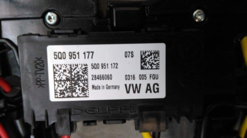 Senzor pentru detectare miscare 5Q0951177 Audi A3 8V // A4 8W // A5 F5 // Q7 4M