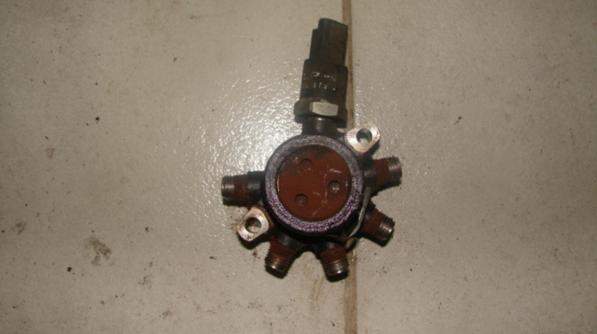 Senzor presiune rampa presiune injectoare Renault Clio generatia 2 [1998 - 2005] Hatchback 3-usi 1.5 DCI MT (65 hp) II (BB0/1/2_ CB0/1/2_)
