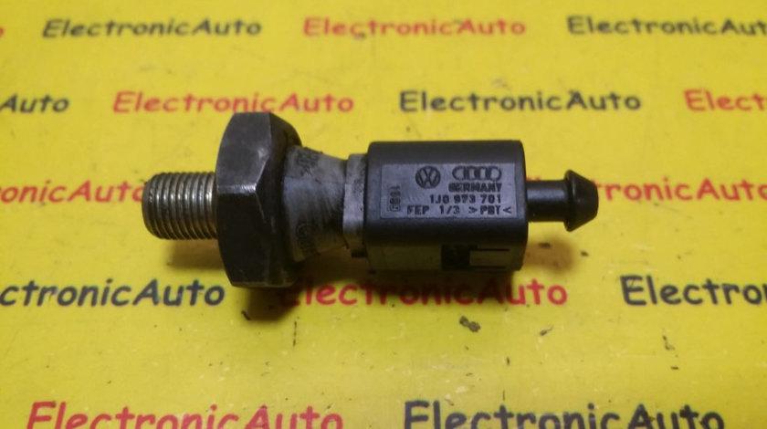 Senzor Presiune Ulei VW, 1J0973701