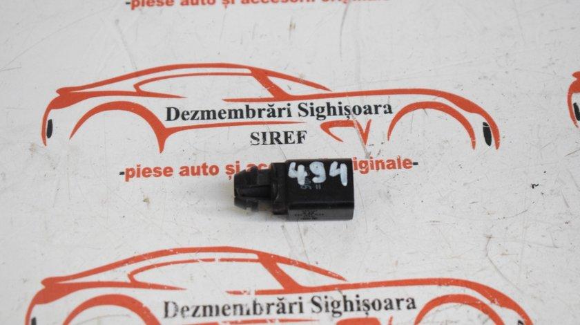 Senzor temperatura exterioara VW Passat B6 494