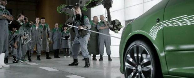 Serpi veninosi, roboti, vulturi: Vezi cum construieste Skoda noua Fabia RS!