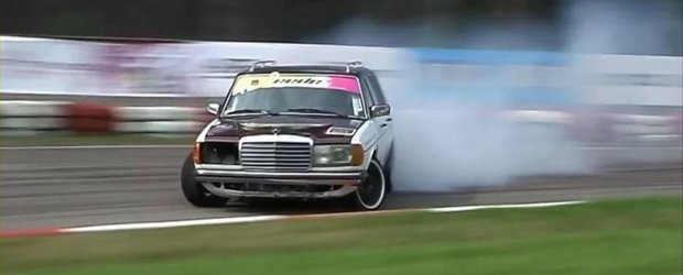 Sesiune de drifturi cu un Mercedes W123 diesel, de 600 cai putere!