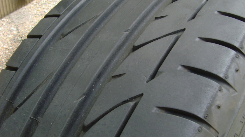 Set 4 anvelope de vara ca Noi 225/40 R18 92Y Bridgestone Potenza S001