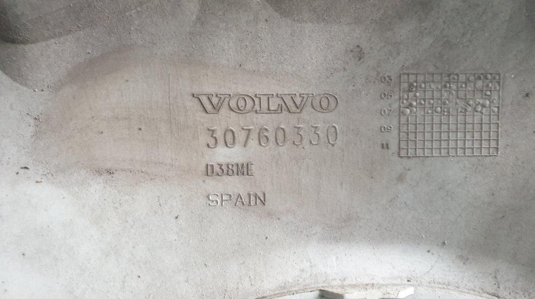 Set 4 capace roti 16 inch originale Volvo S40 cod piesa : 30760330