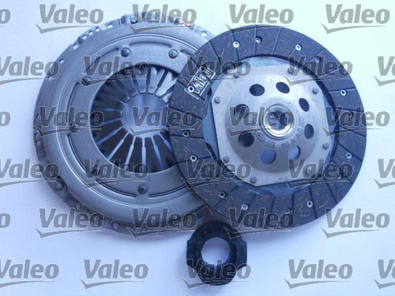 Set ambreiaj VW PASSAT 3A2 35I Producator VALEO 826488