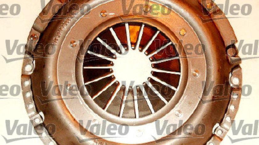 Set ambreiaj VW PASSAT 3B3 Producator VALEO 821240