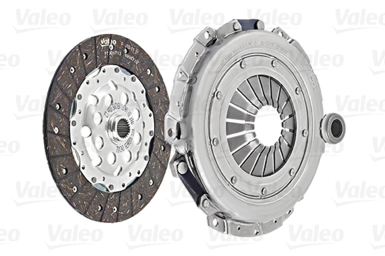 Set ambreiaj VW PASSAT 3B3 Producator VALEO 826641