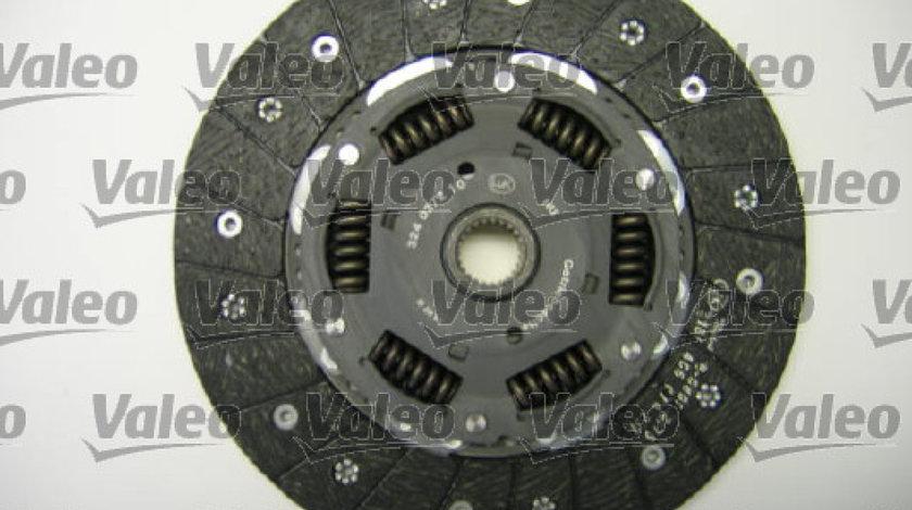 Set ambreiaj VW PASSAT 3B3 Producator VALEO 826642