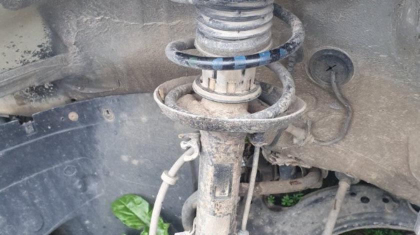 Set amortizoare fata + arcuri VW Bora 2.3i 150 cai motor AGZ cod piesa : 1J0413031S