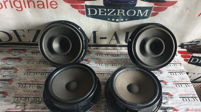 Set boxe originale fata + spate Seat Leon 1P Facelift coduri : 1P0035411 / 5P0035411A