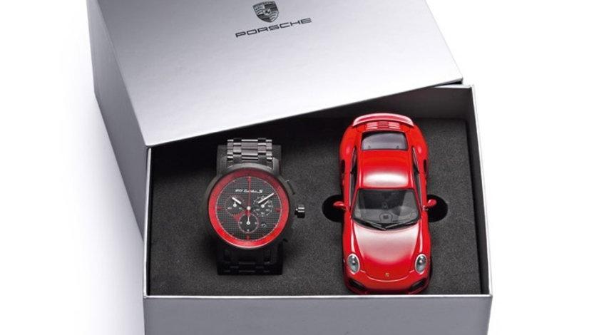 Set Ceas + Macheta Oe Porsche 911 Turbo S Cronograf Clasic WAP0700060F