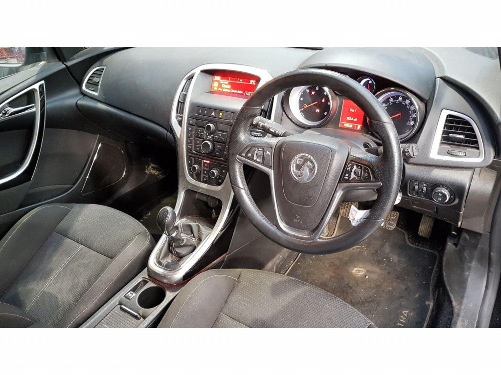 Set faruri Opel Astra J 2010 Hatchback 1.7 CDTi