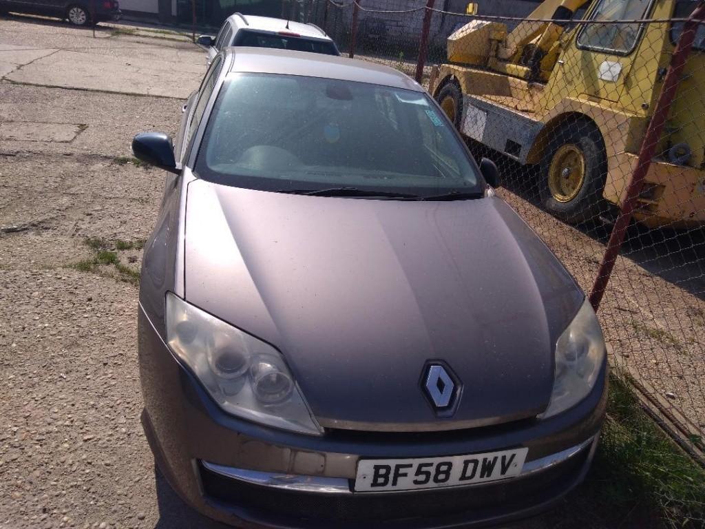 Set fete usi Renault Laguna III 2009 Hatchback 2.0 DCI