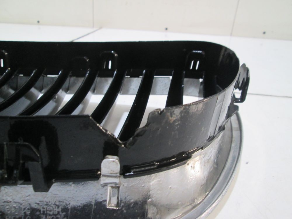 Set grile stanga + dreapta Bmw Seria 5 F10 / F11 An 2009 2010 2011 2012 2013 cod 51137200727