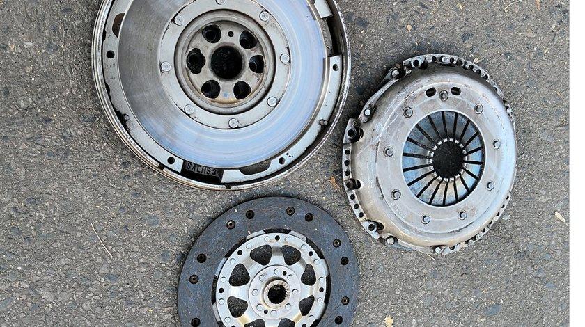 Set Volanta+Kit Ambreiaj ptr Audi A4 B6 B7 1.9 TDI 116 CP