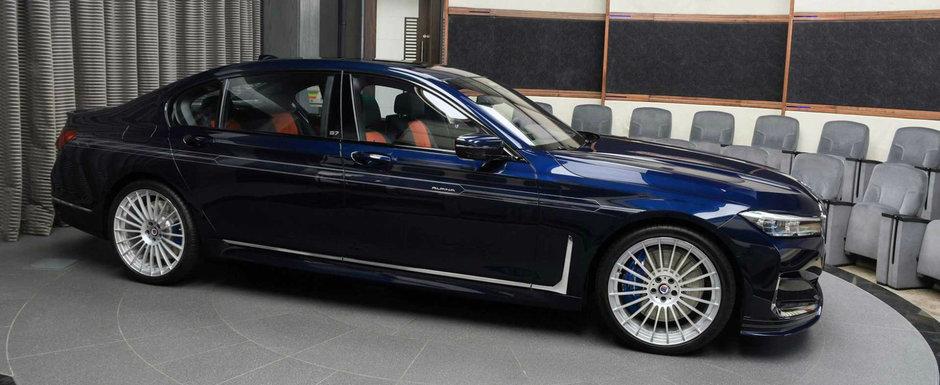 Si-a comandat cel mai rapid sedan din lume intr-o nuanta speciala de albastru. Stai sa vezi interiorul