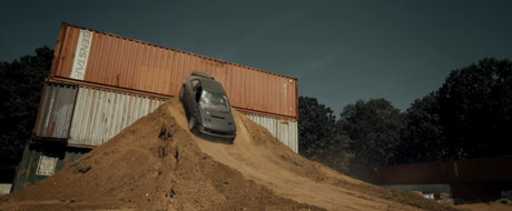 Si-a construit propriul traseu, iar apoi a facut Gymkhana cu un Subaru Impreza WRX