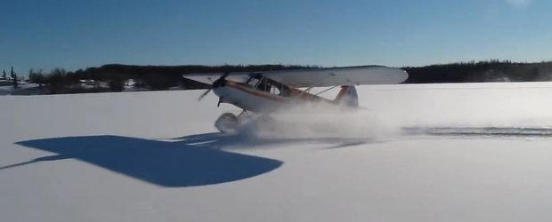 Si avioanele stiu sa faca drifturi: un avion mic aterizeaza, face drift si decoleaza imediat