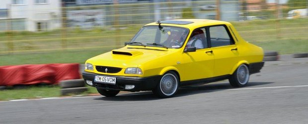 Si Dacia 1300 stie sa faca drifturi! Mai ales daca este 4x4 si cu motor turbo...