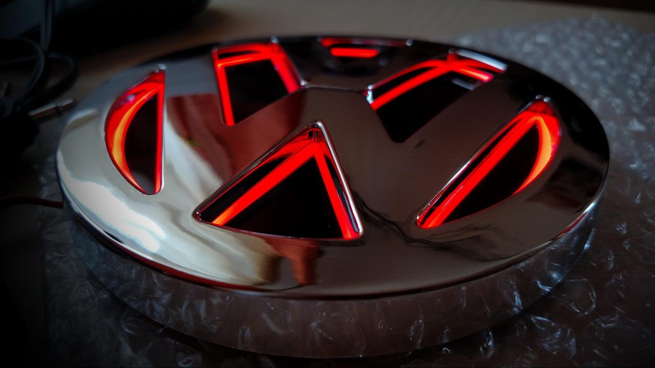 Sigla iluminata 5d Volkswagen led lumina Rosie emblema concava logo vw