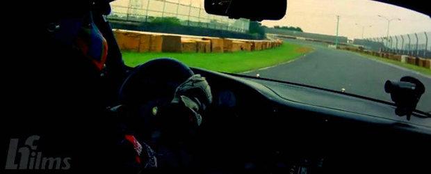 Simfonie in blow-off major: Un tur de pista la bordul unui Porsche 930 Turbo Rauh Welt