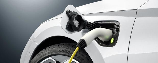 Skoda da din casa. Cehii au confirmat performantele primei Octavia RS plug-in hybrid din istorie