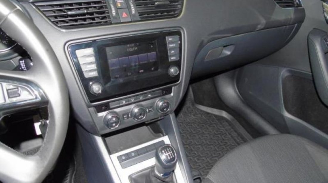 Skoda Octavia Combi 2.0 TDI Elegance 150 CP Start/Stop 2014