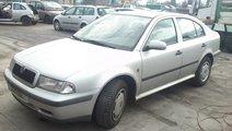 skoda octavia hatchback an 1999 motor 1.6sr tip ak...