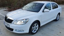 Skoda Octavia II full options km reali carte servi...