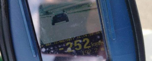 Sofer prins pe A3 cu 288 km/h. Un altul a fost filmat in timp ce conducea cu 252 km/h
