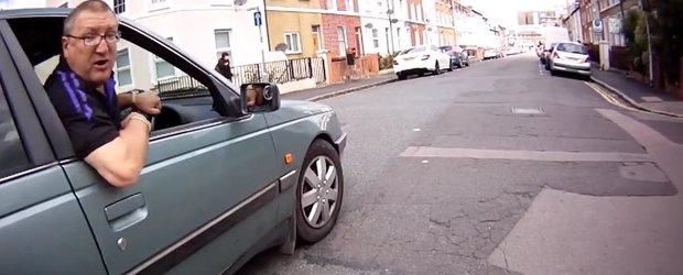 Sofer vs. biciclist: un englez nesimtit primeste ce merita