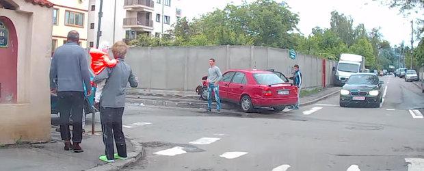 Soferul cu Mercedes de la Buzau, cel mai periculos biped: ce se intampla cand nu vezi semnul de cedeaza trecerea