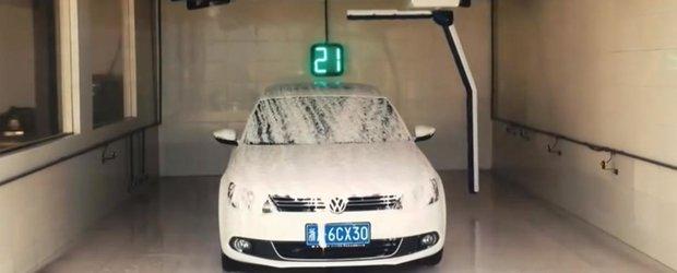 Spalarea masinii in doar 2 minute: acesta sa fie viitorul spalatoriilor auto?