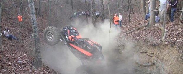 Spectacol nebun cu o masina de off-road extrem ce nu cunoaste limite