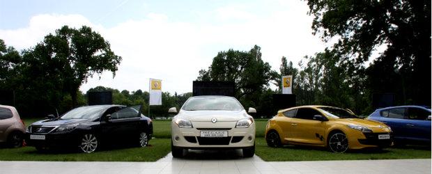 Splendoare in iarba - fete si masini elegante, la Chic & Sport by Renault