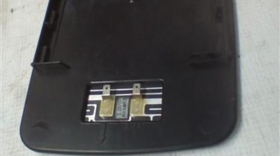 Sticla oglinda dreapta Mercedes Sprinter An 1995-2001 cod 010418