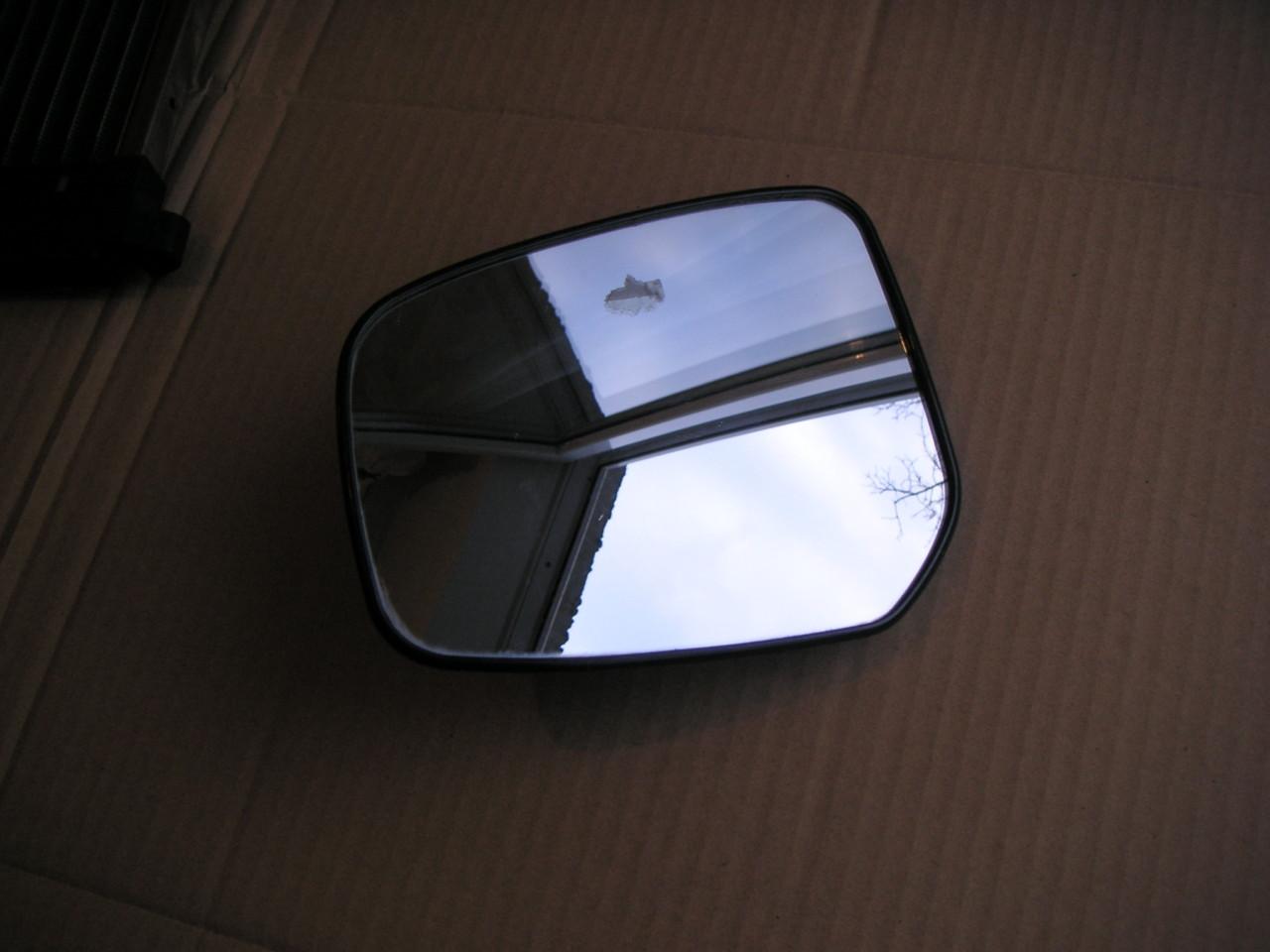 Sticla oglinda exterioara dreapta Toyota Auris (2007-2010) Yaris II 2 (2006-2011)