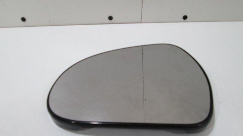 Sticla oglinda stanga Peugeot 207 an 2006-2012