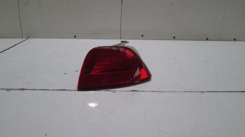 Stop ceata bara spate stanga Ford Focus 1 An 1998 1999 2000 2001 2002 2003 2004 2005 cod XS41-15K273-A