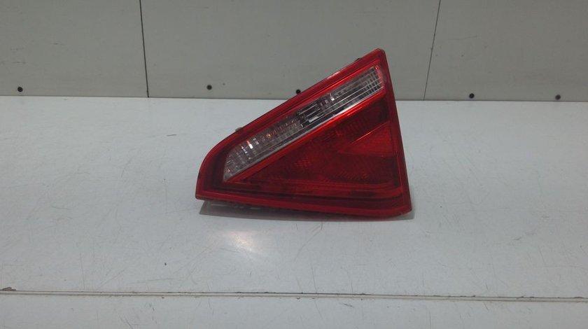 Stop dreapta pe hayon Audi A5 Coupe an 2008-2009-2010-2011 cod 8T0945094