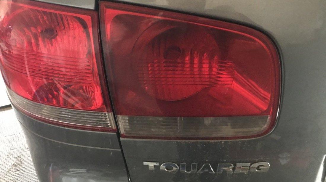 Stop stanga caroserie VW Touareg 7L 2005