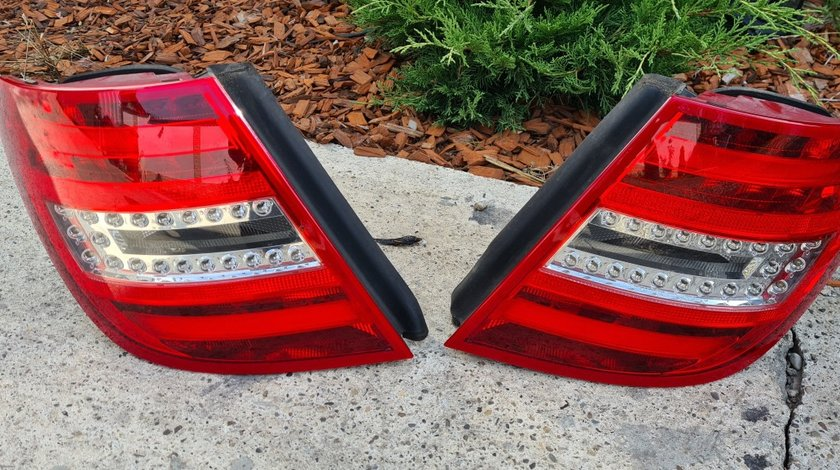 Stop stanga dreapta LED Mercedes C-Class W204 Facelift combi 2011 2012 2013 201